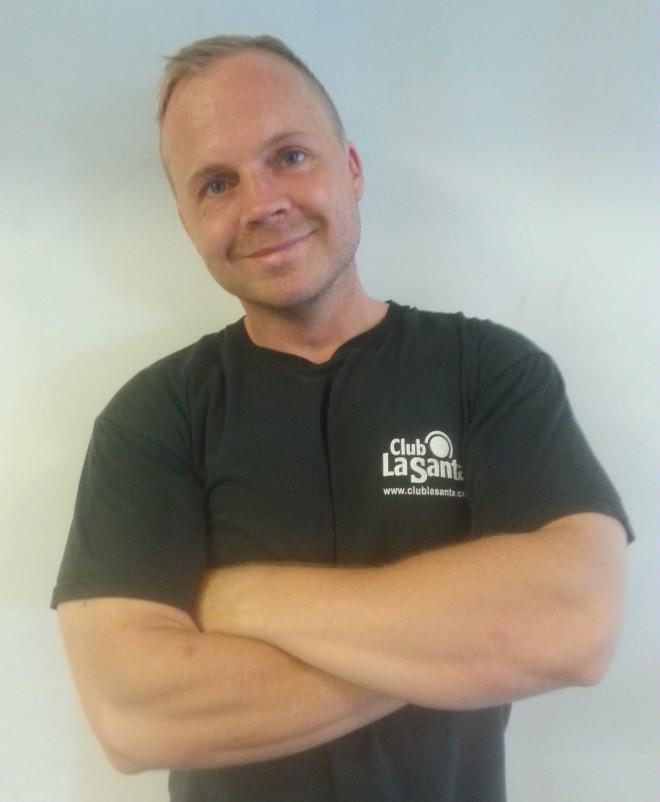 Mads Friche løfter på bænkpreslandsholdet i -83 kg klassen. Han er desuden personlig træner, og har styrketrænet i mange år. I styrkeløft 3-kamp konkurrerer man i disciplinerne squat, bænkpres, og dødløft. Der findes dog også stævner udelukkende for bænkpres